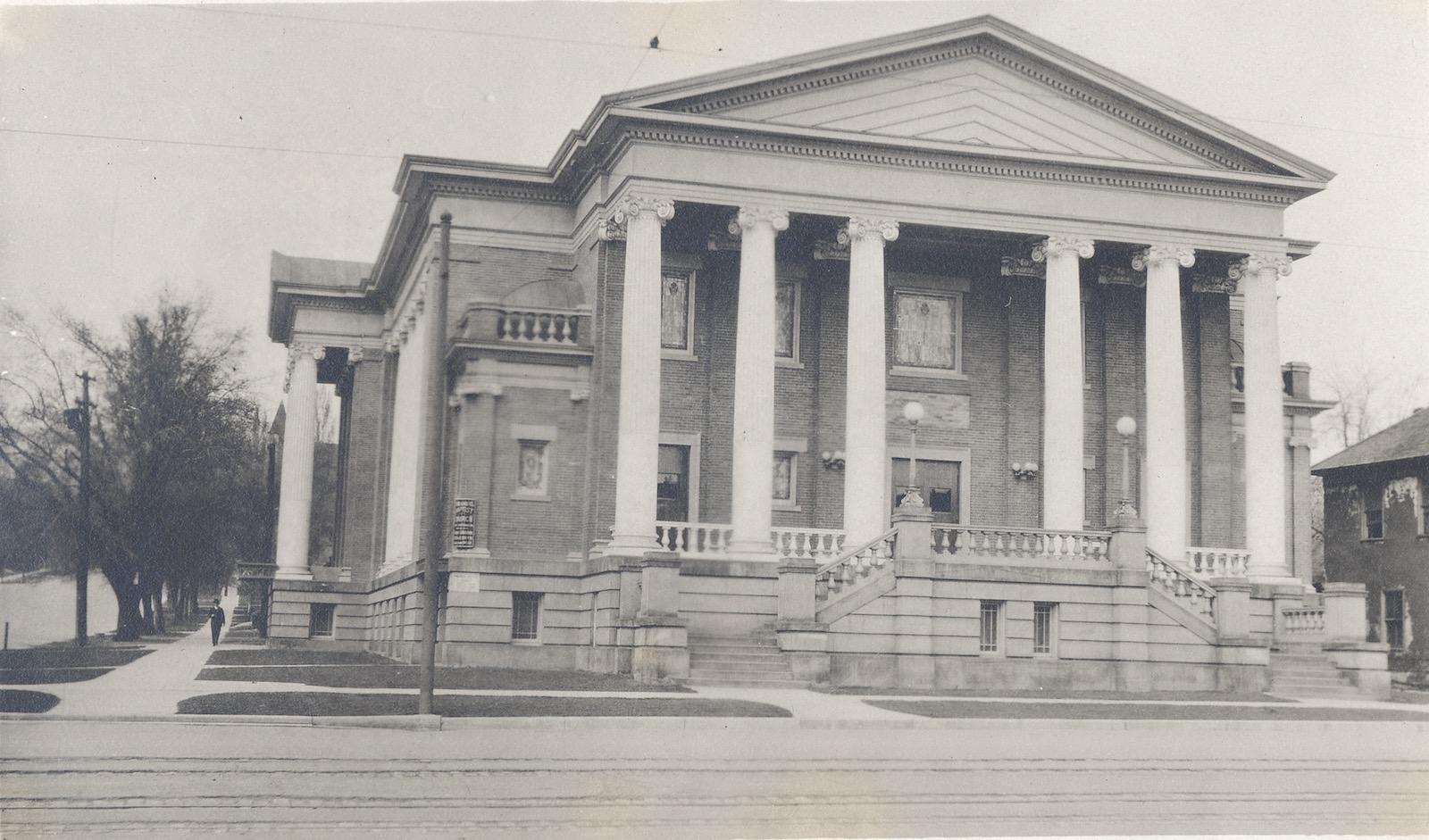 Immanuel Baptist Church, 401 E. 200 South